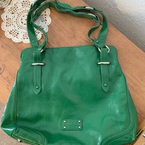 The Sak Kelly green leather shoulder bag